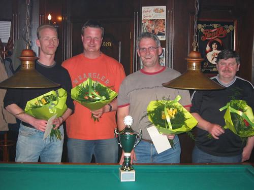 V.l.n.r. Michael Bardoel (4e), Noud v.d. Burgt (2e), kampioen Gerard Kroon (1e) en Tonnie de Wit (3e).