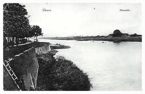 Vóór 1929 ging alle verkeer van Nijmegen naar den Bosch over het veer te Grave. In het Gelderse ligt onder Nederasselt het veerhuis van de familie van Haren. Het veer wordt al vermeld in 1381, toen een zekere Jan van Tongelaar eigenaar was. Het uitzicht vanaf de Graafse kademuur over het rivierlandschap blijft altijd boeiend.