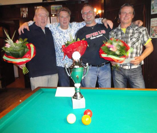 Vlnr: Piet Verhaaren (4e), George van Kuppeveld (3e), Gerard Kroon (1e) en Harold Bardoel (2e)