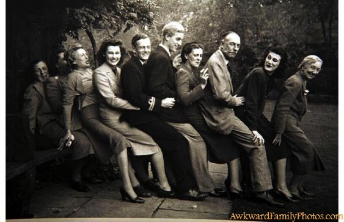Doe eens gek - bron: awkwardfamilyphotos.com